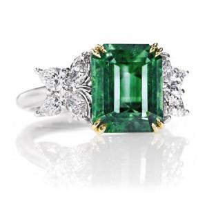 emerald ring 1