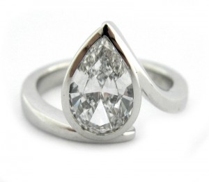 pear shaped ring with detailing