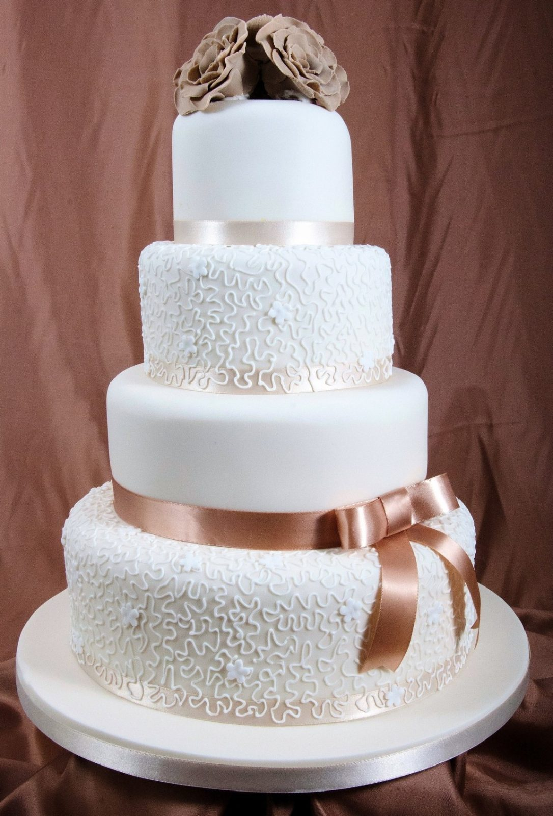 Cake Decorating Ideas For Wedding Simple : Versatile ideas for your Wedding   Socially Fabulous ...